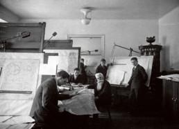 Hanns Hörbiger im Konstruktionsbüro